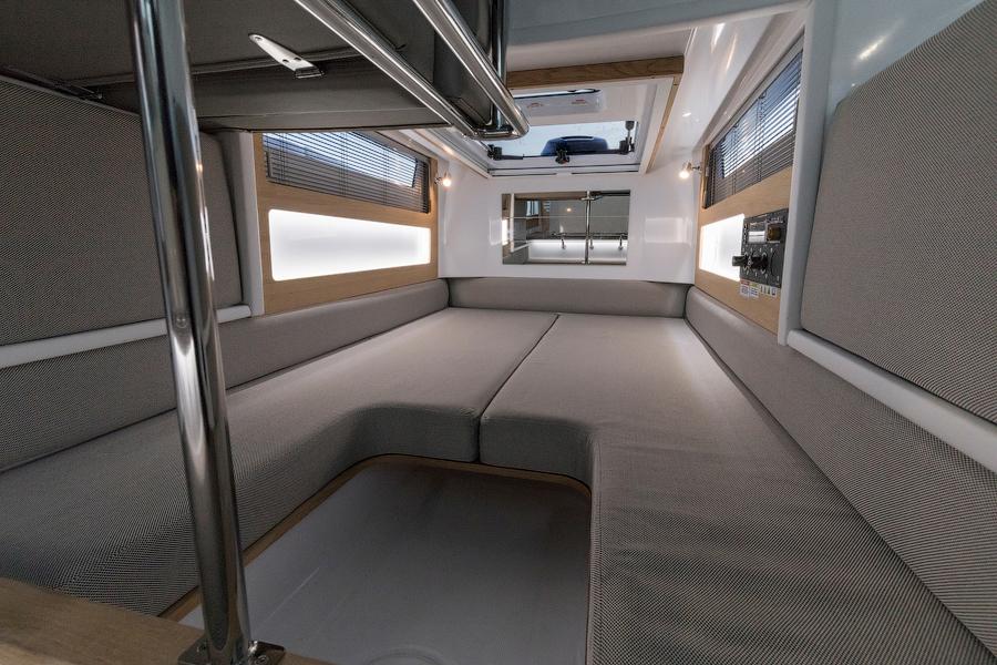 Axopar 28 Cabin